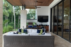 Cumaru-Ceiling-covering-outdoor-kitchen-and-living-area